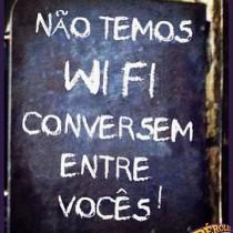 nao-temos-wi-fi-conversem-entre-voces-210x210